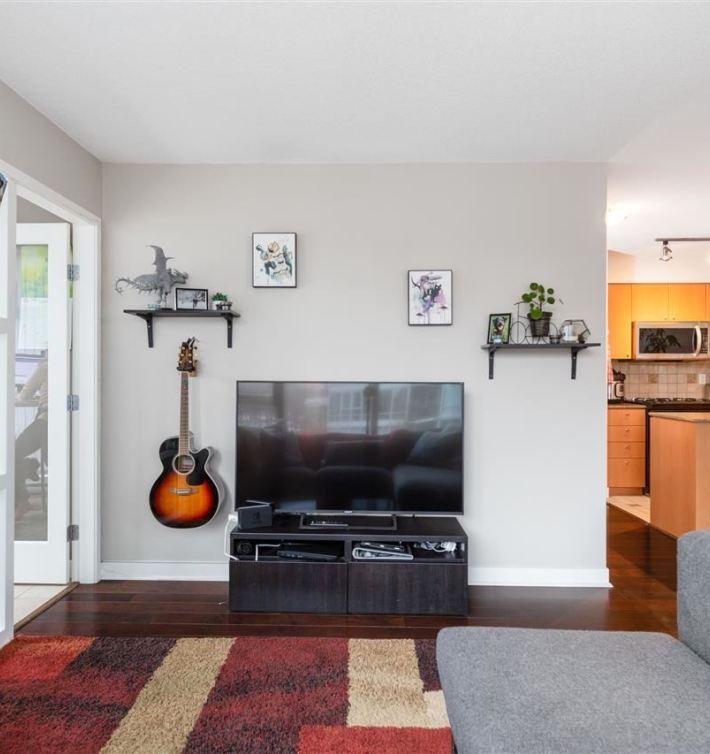 306 1438 Richards St Condo For Sale Yaletown Vancouver MLS Listings