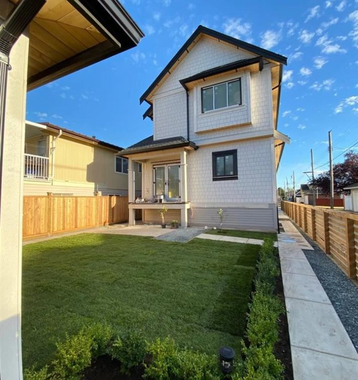 2217 E 52nd Ave Duplex For Sale Vancouver BC